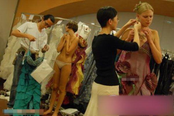 【巨乳あり】ファッションショーの裏側の様子をご覧くださいwwwwwwwwww(画像63枚)・13枚目