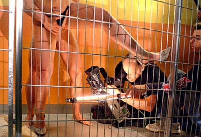 本場のポルノ撮影現場がうpされネット民がドン引きする。。(画像あり)・24枚目