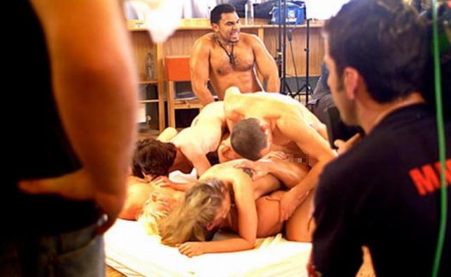 本場のポルノ撮影現場がうpされネット民がドン引きする。。(画像あり)・31枚目