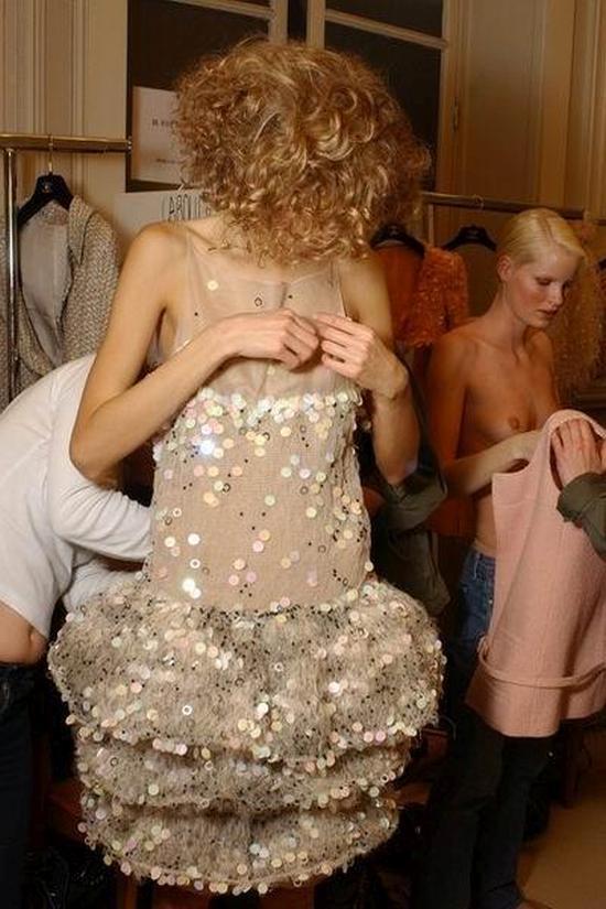 【巨乳あり】ファッションショーの裏側の様子をご覧くださいwwwwwwwwww(画像63枚)・59枚目
