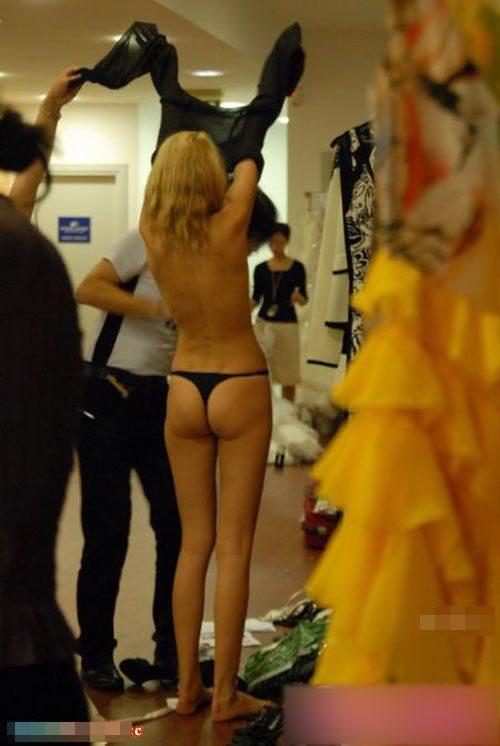 【巨乳あり】ファッションショーの裏側の様子をご覧くださいwwwwwwwwww(画像63枚)・60枚目