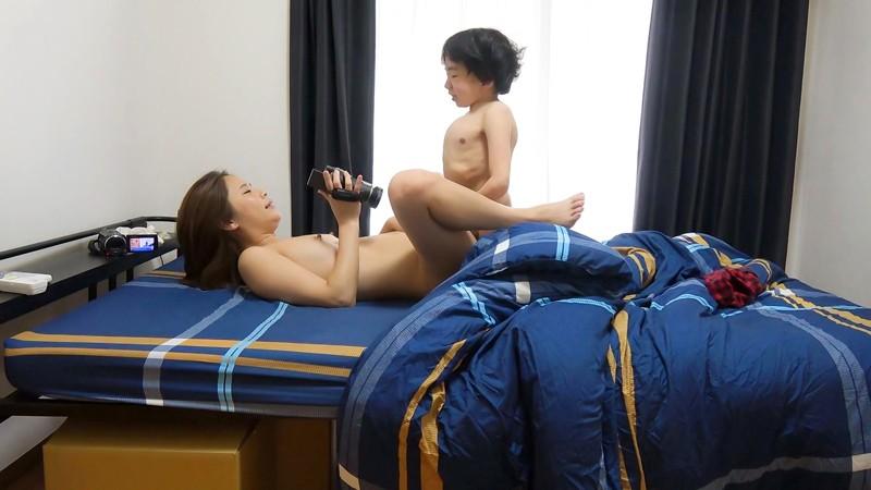 【ショタコン】男の子が大好きな痴女が大暴走、逮捕不可避wwwwwwww・8枚目