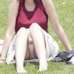 海外では女の子がチラチラおまんこを見せつけてくるんだがwwwwwwwwww(※画像あり)