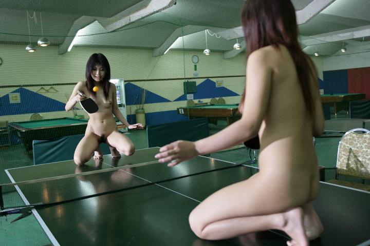 【激写】裸で割と本気でスポーツしてる露出狂ワロタwwwwwwww(画像あり)・18枚目