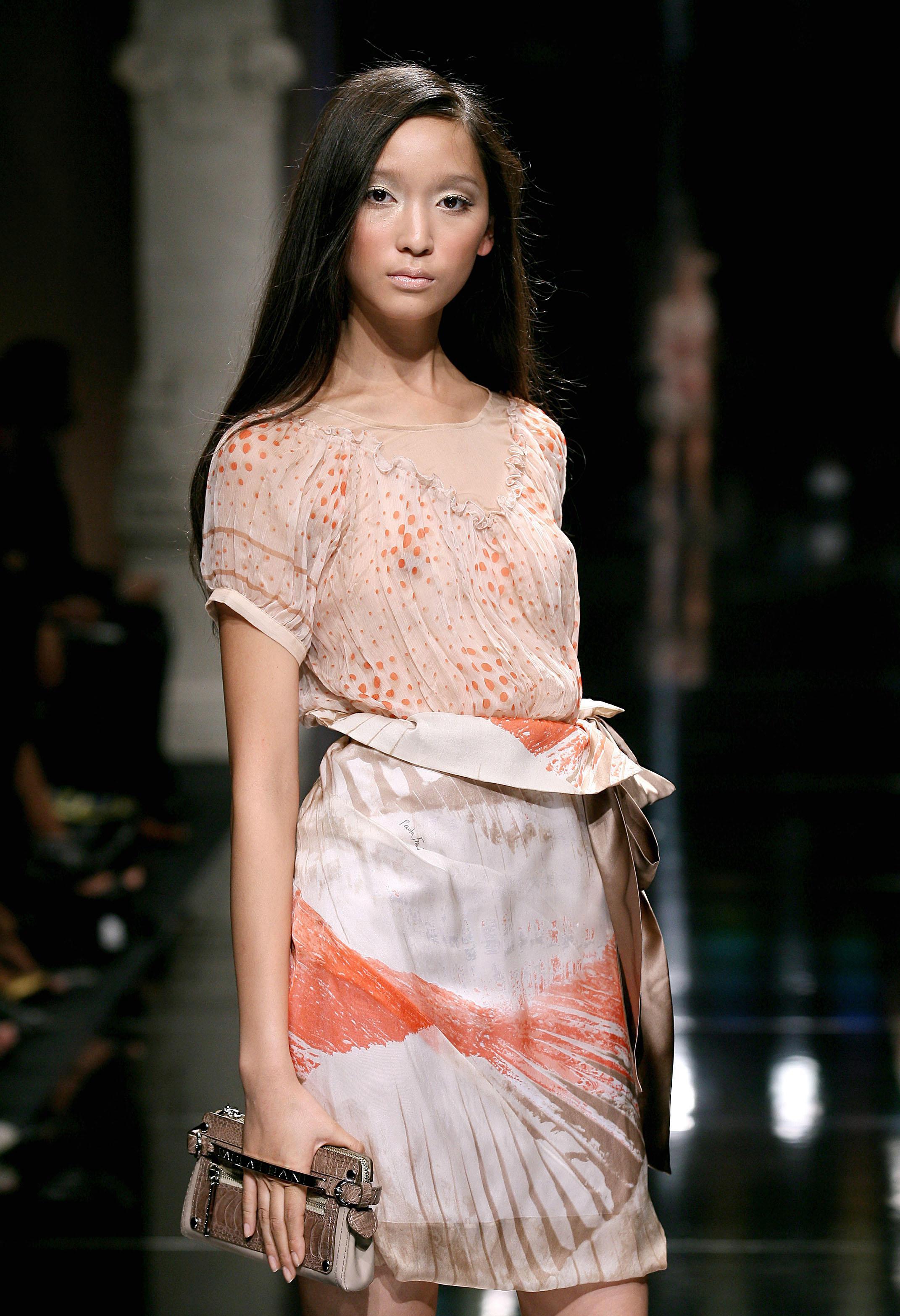 【画像あり】杏さんのモデル時代のオッパイをご覧ください(39枚)・25枚目