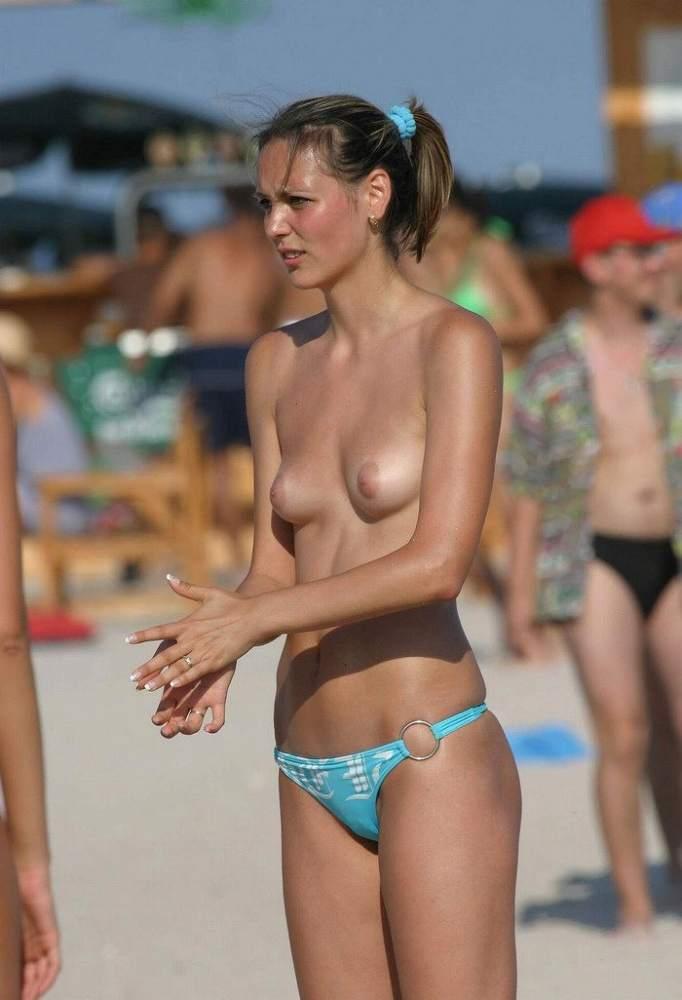 ヌーディストビーチにいる若者だけを本気で集めた結果wwwwwww(画像大量)・3枚目
