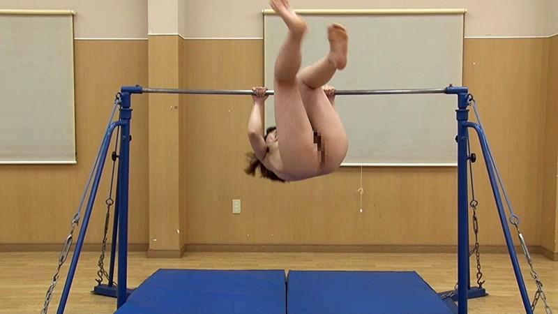 【激写】裸で割と本気でスポーツしてる露出狂ワロタwwwwwwww(画像あり)・6枚目