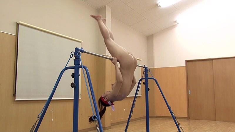 【激写】裸で割と本気でスポーツしてる露出狂ワロタwwwwwwww(画像あり)・7枚目