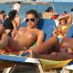 ビーチで盗撮された事を知った時の女の子たちのリアクションがぐぅシコな件wwwwwwwwww
