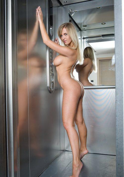 【露出狂】エレベーター開いたらこの状態だった時wwwwwww(画像32枚)・13枚目