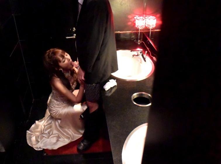 夜の街で男を喰い物にするキャバ嬢の枕営業の様子をご覧ください。(画像あり)・2枚目