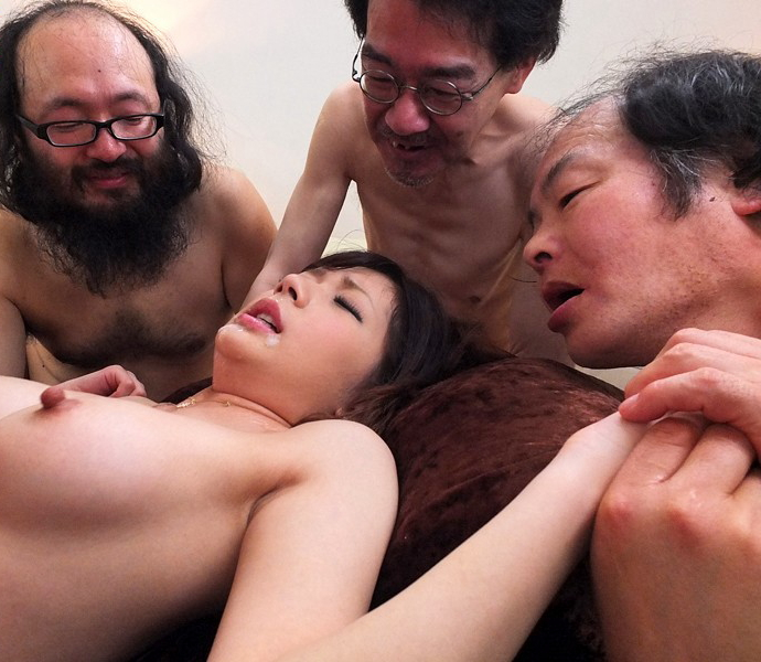 【キモメン注意】荒業を発動されたセクシー女優最後の仕事がこちら・・・(※画像あり)・26枚目
