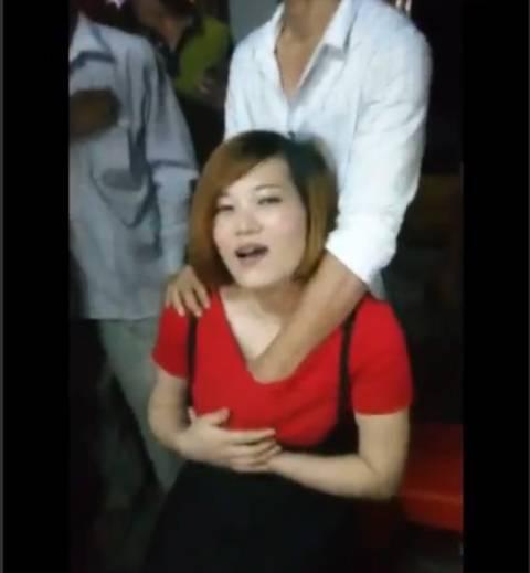 中国の結婚式の伝統風習、もはやレイプにしか見えない件wwwwwww(GIFあり)・29枚目