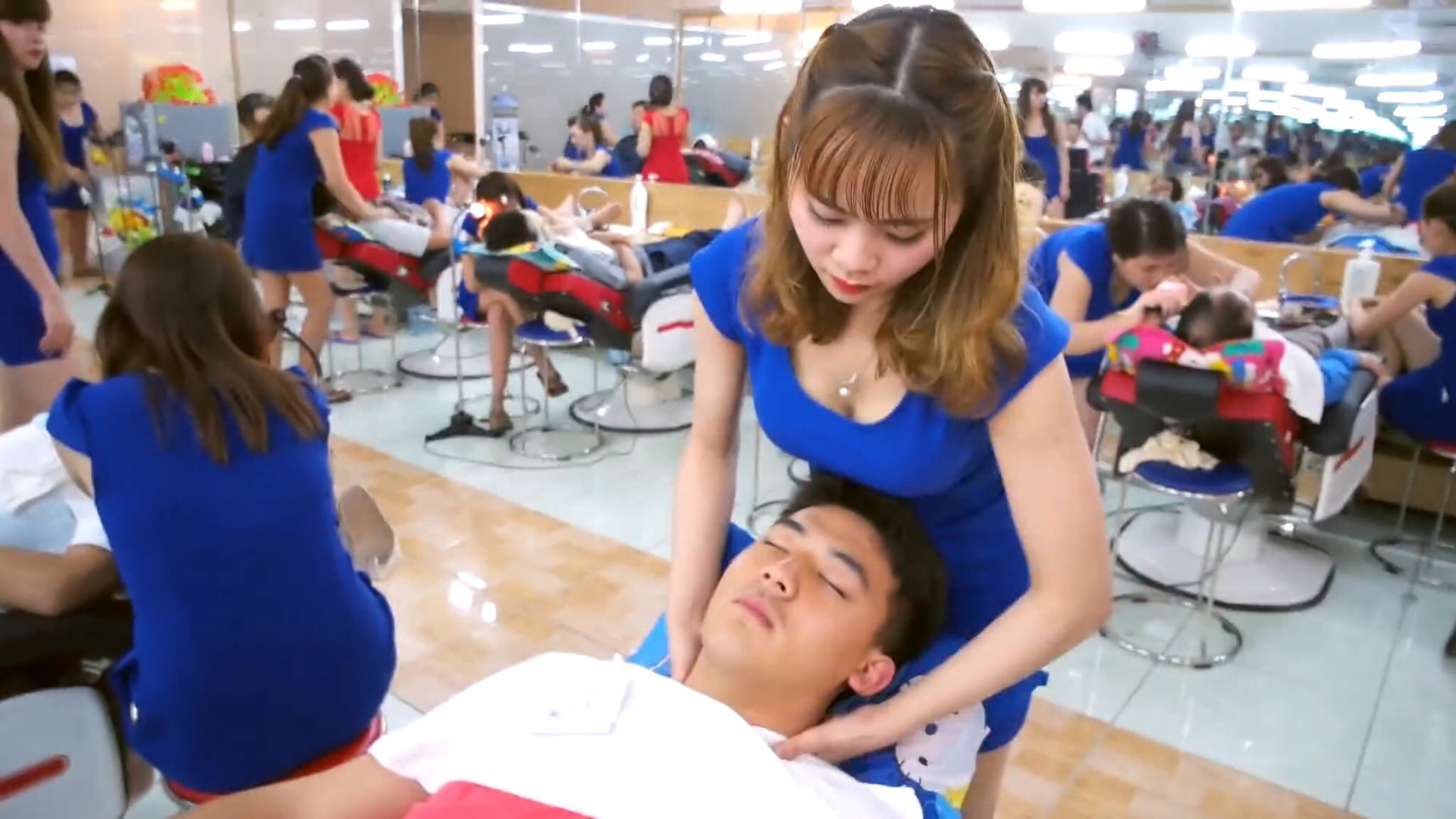 1000円で体験できるエロサービスが凄すぎる理髪店wwwwwww(画像あり)・4枚目