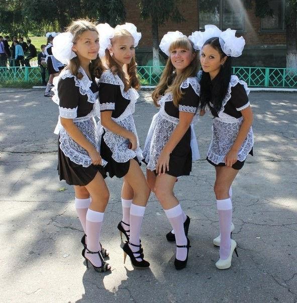 卒業式でメイド姿になるロシアの女学生がくっそエ口すぎるんだがwwwww(勃起確定)・17枚目