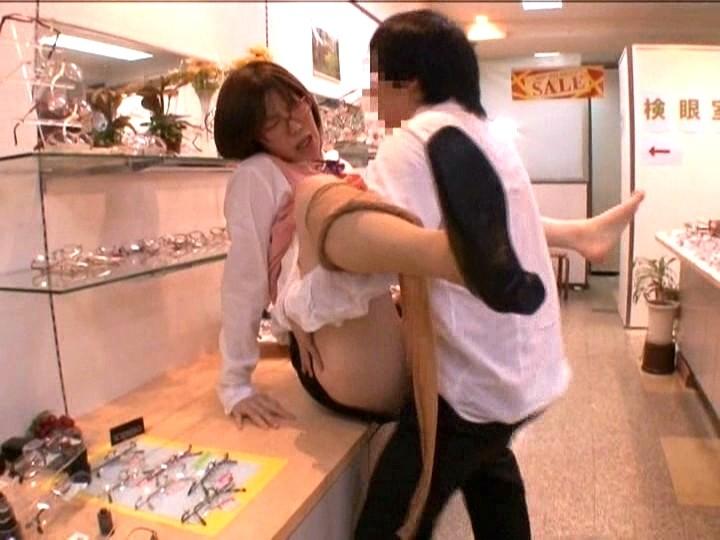 パート中の人妻さん、店長の性奴隷にされる・・・・・(画像あり)・31枚目