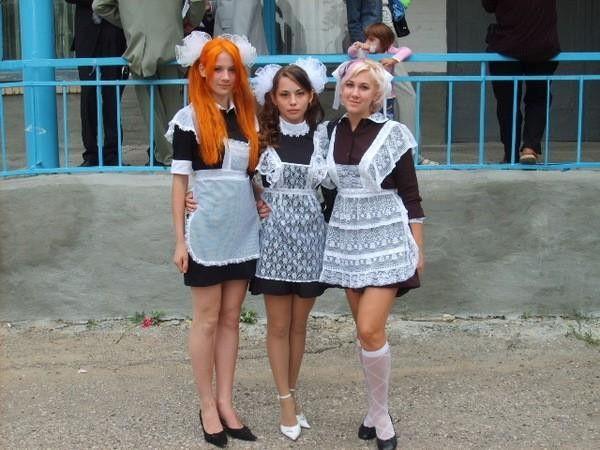 卒業式でメイド姿になるロシアの女学生がくっそエ口すぎるんだがwwwww(勃起確定)・5枚目