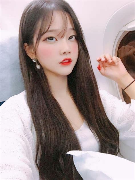 韓国の若者の間でアヘ顔自撮りが流行中らしい・・・・・(画像あり)・7枚目