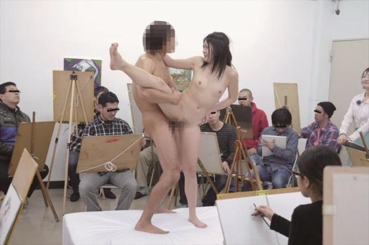 【不可抗力】ヌードモデルさんにハメポーズを要請してみた結果・・・勃起不可避wwww(※画像あり)・9枚目
