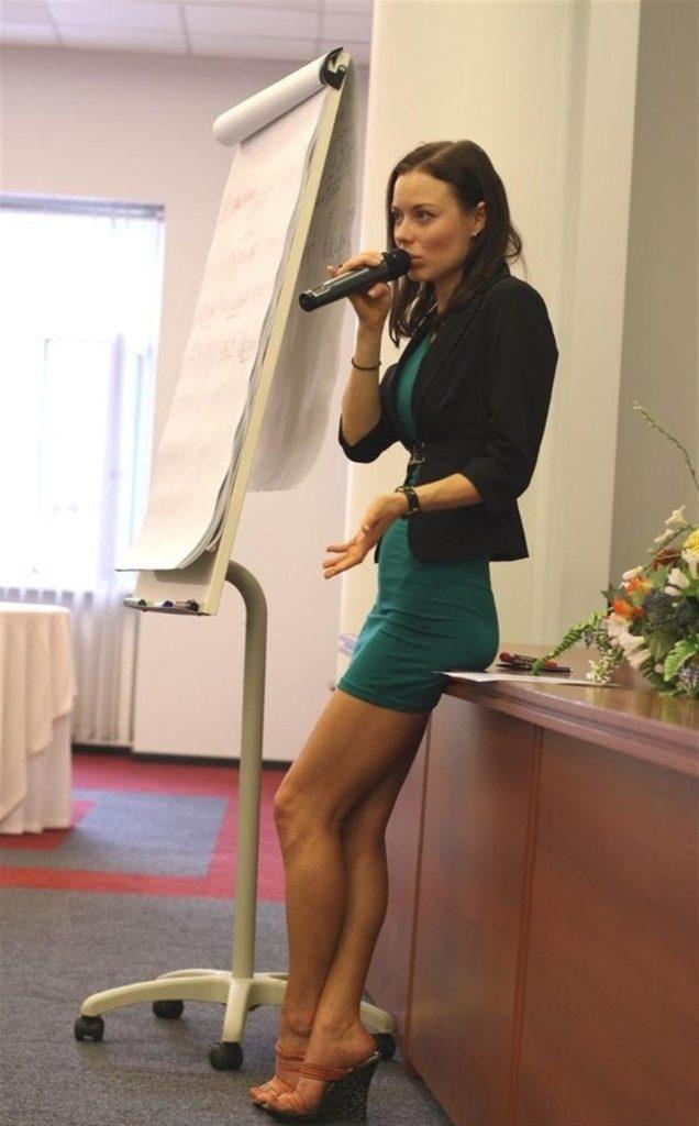 ロシアの女教師エロすぎて無事撮影されてトップを飾るwwwww(画像あり)・11枚目