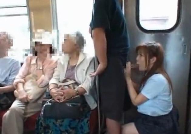 AVの影響電車内でおっぱじめるバカップルが無事撮影→拡散されるの巻。(画像あり)・14枚目