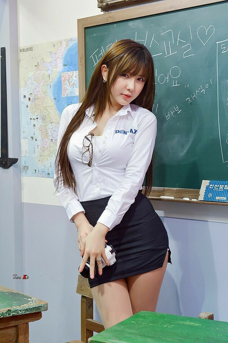 ロシアの女教師エロすぎて無事撮影されてトップを飾るwwwww(画像あり)・23枚目