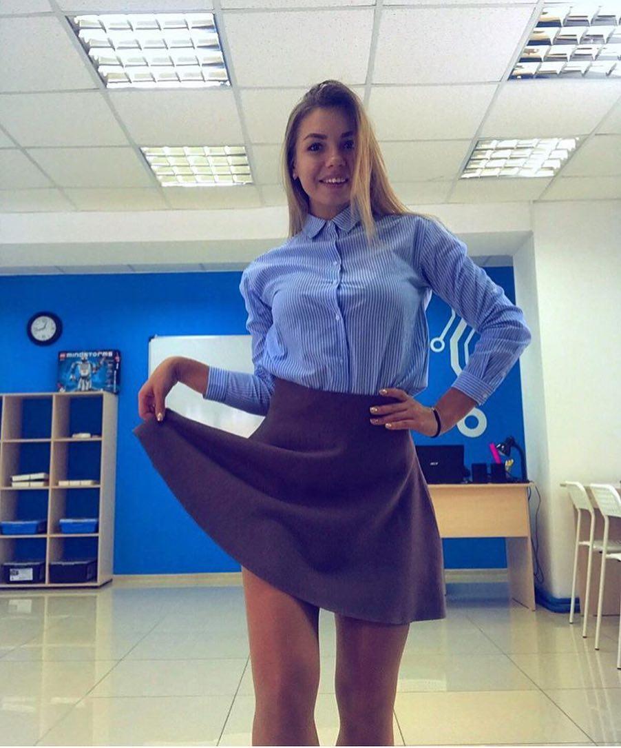 ロシアの女教師エロすぎて無事撮影されてトップを飾るwwwww(画像あり)・5枚目