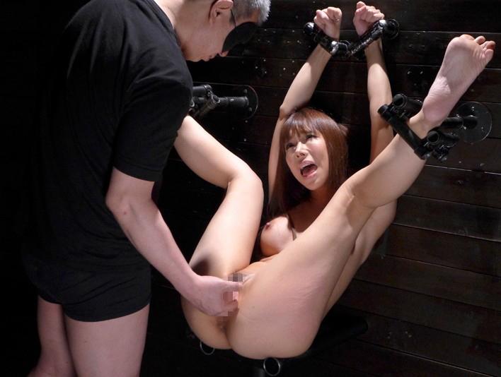 このポーズで磔されてる女の子がたまらなく好きって男が結構いるらしいwwwww(※画像あり)・9枚目