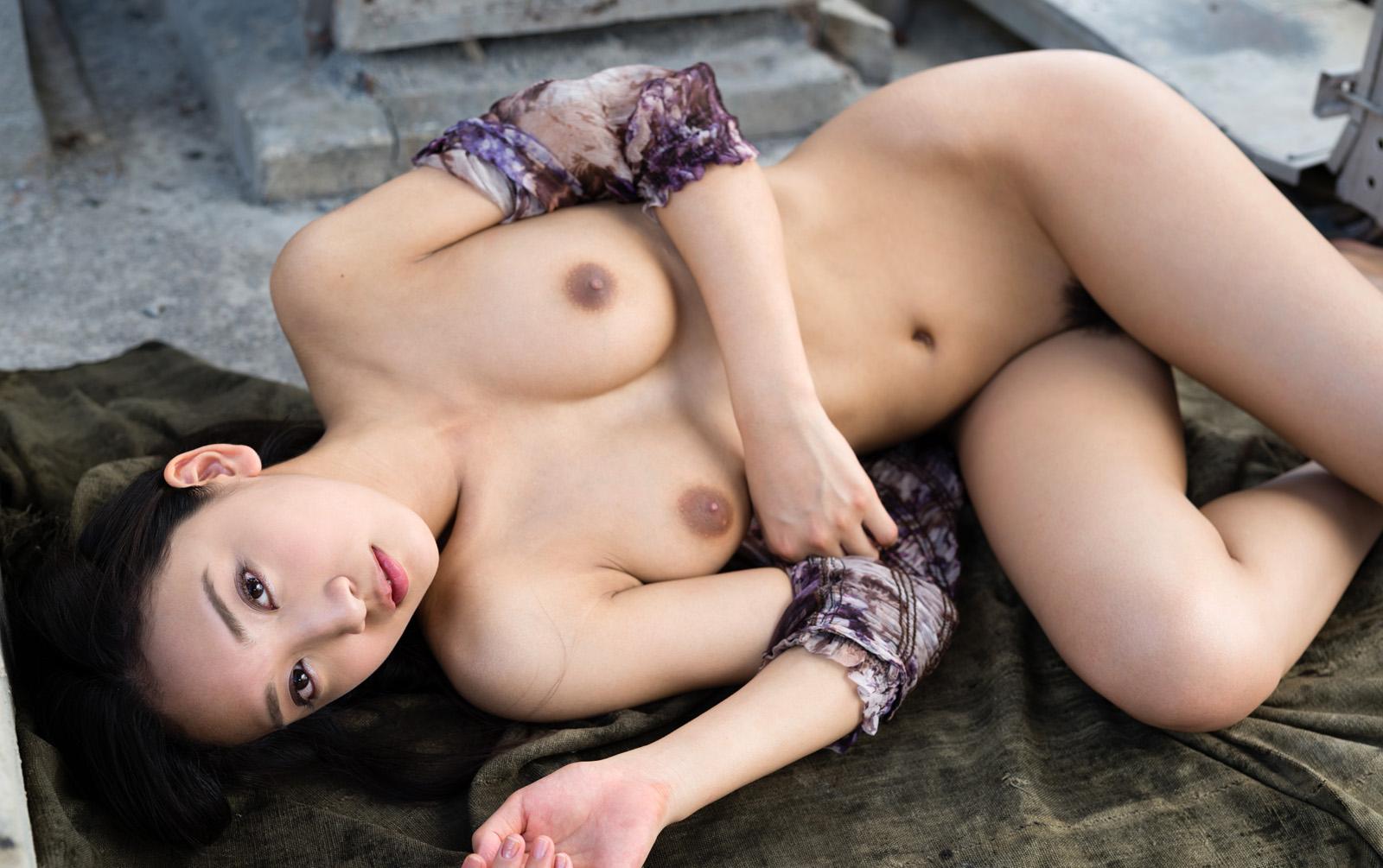 【ヌード】グラビアアイドルさん、ヌード解禁で色々晒すwwwwwwww(180枚)・35枚目