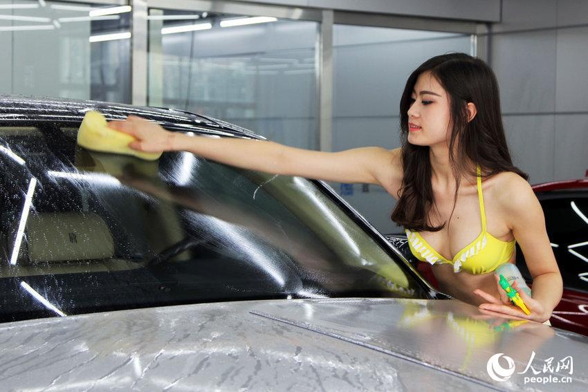 女体洗車とかいう変わったセクシーサービスが神杉wwwwwwww(画像あり)・17枚目