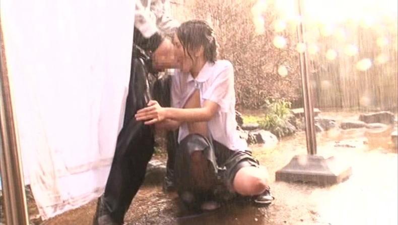 【悲報】どしゃぶりの雨の中レ●プ被害に遭った女の子が悲惨すぎる。(画像あり)・19枚目