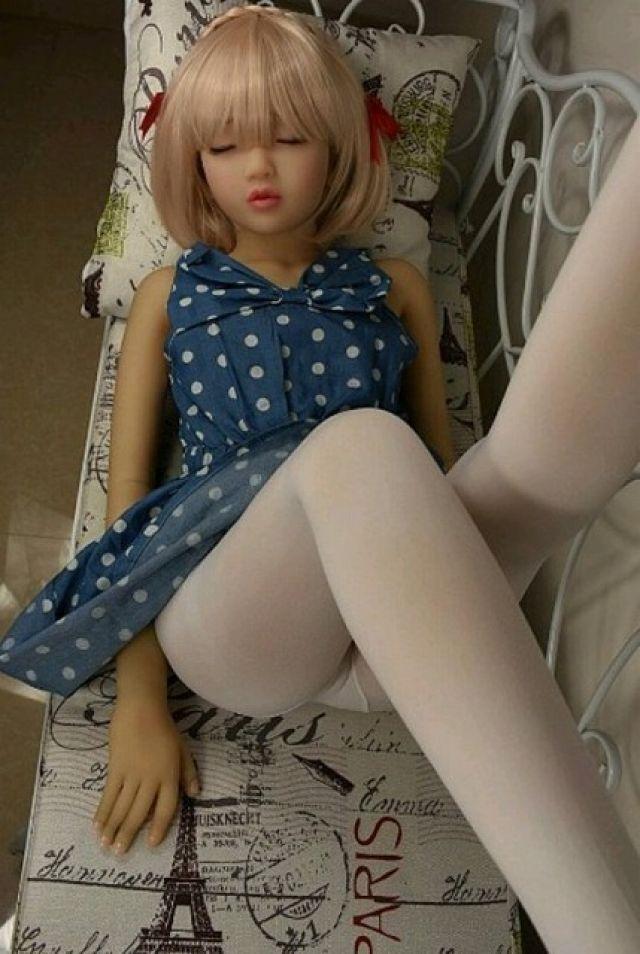 リアル少女、世界をドン引きさせる。この炉利はアカンwwwww(画像あり)・29枚目