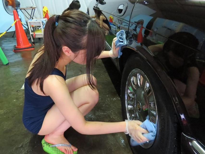女体洗車とかいう変わったセクシーサービスが神杉wwwwwwww(画像あり)・37枚目