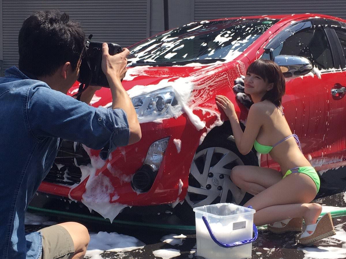 女体洗車とかいう変わったセクシーサービスが神杉wwwwwwww(画像あり)・5枚目