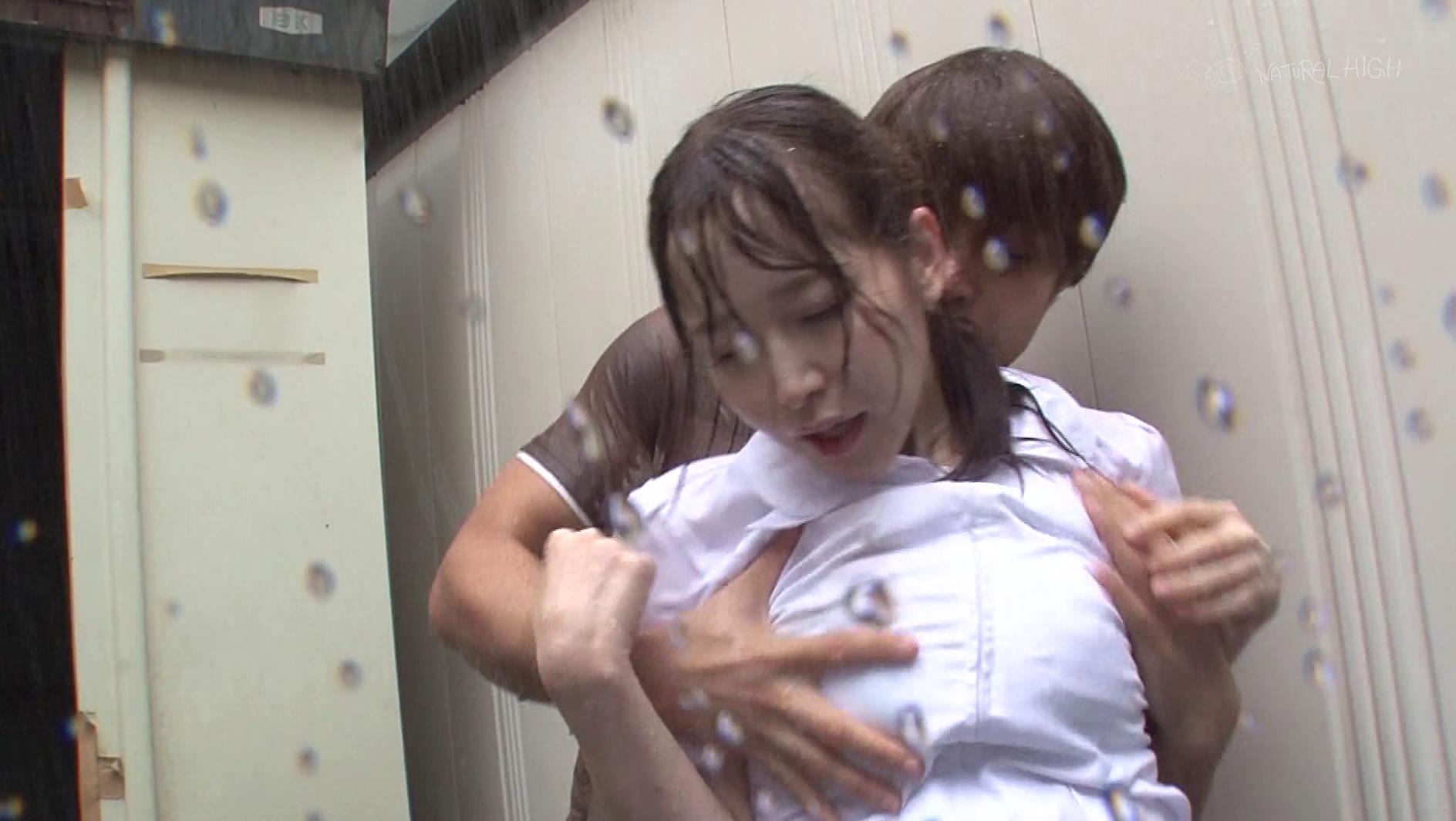 【悲報】どしゃぶりの雨の中レ●プ被害に遭った女の子が悲惨すぎる。(画像あり)・9枚目