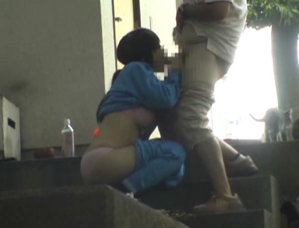 逮捕覚悟で野外セックスするカップルたち激写されるwwwwwwwww(画像あり)・1枚目
