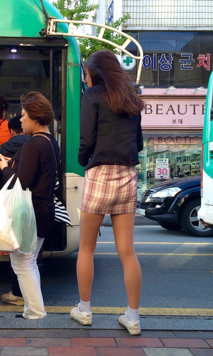 娼婦チックな韓国の制服JK、期待を裏切らないセクスィーさwwwwwwww(画像27枚)・19枚目