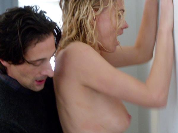 【濡れ場】海外女優の過激な仕事っぷりをご覧下さい。(画像あり)・21枚目