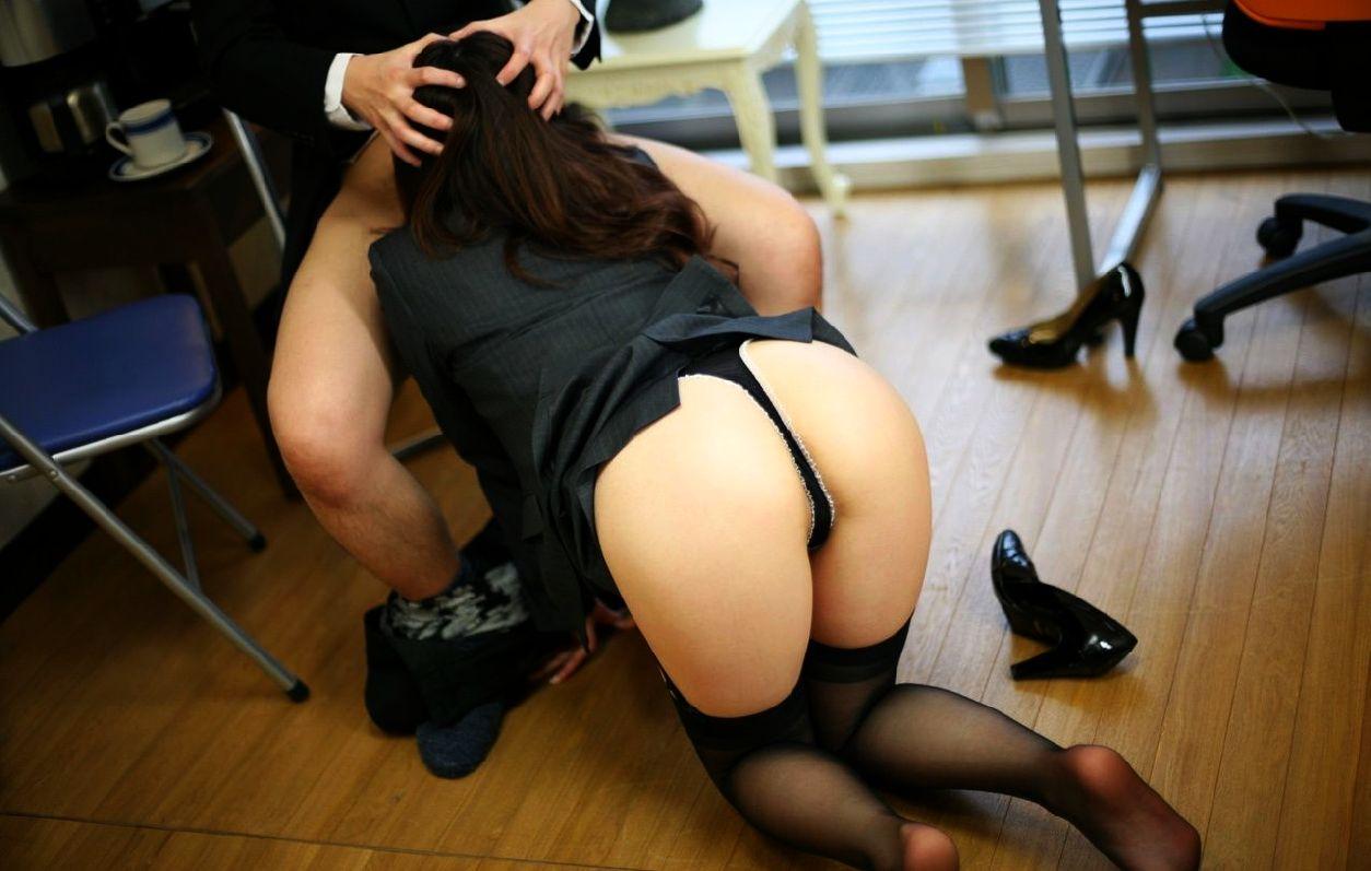 【性欲処理】男性社員の仕事がいかに捗るかよく分かるエロ画像集(29枚)・24枚目