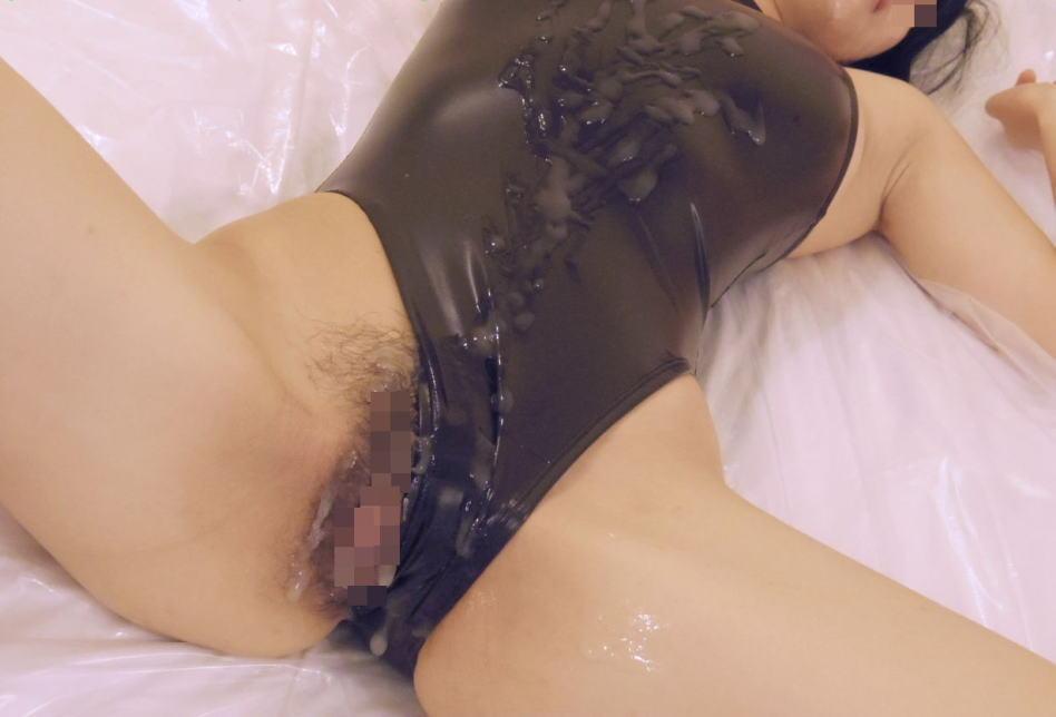 旧タイプのスク水女子に精子をぶっかける至福の画像を貼るスレwwwwww・27枚目
