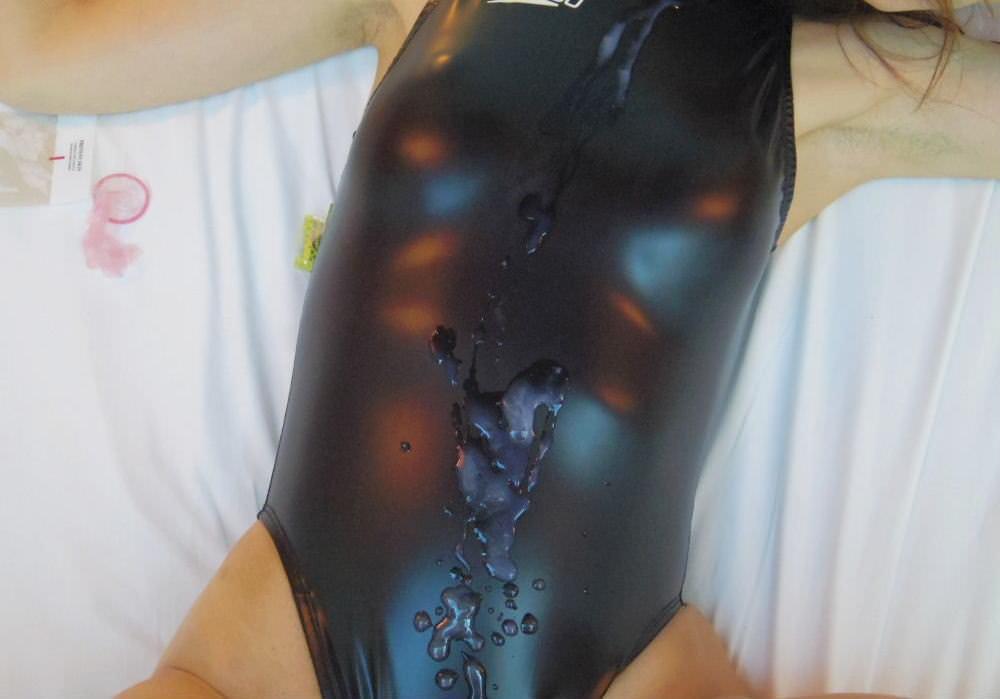 旧タイプのスク水女子に精子をぶっかける至福の画像を貼るスレwwwwww・7枚目