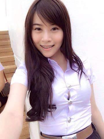 タイの制服JDまんさん、おっぱい重量感凄過ぎワロタwwwwwww(画像あり)・12枚目