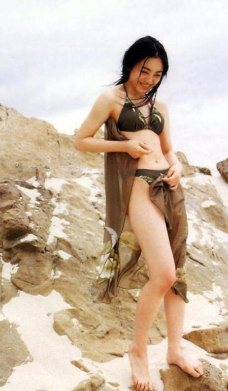 【仲間由紀恵】39歳なのに全然エッチな女優さんの身体をご覧ください。(72枚)・14枚目