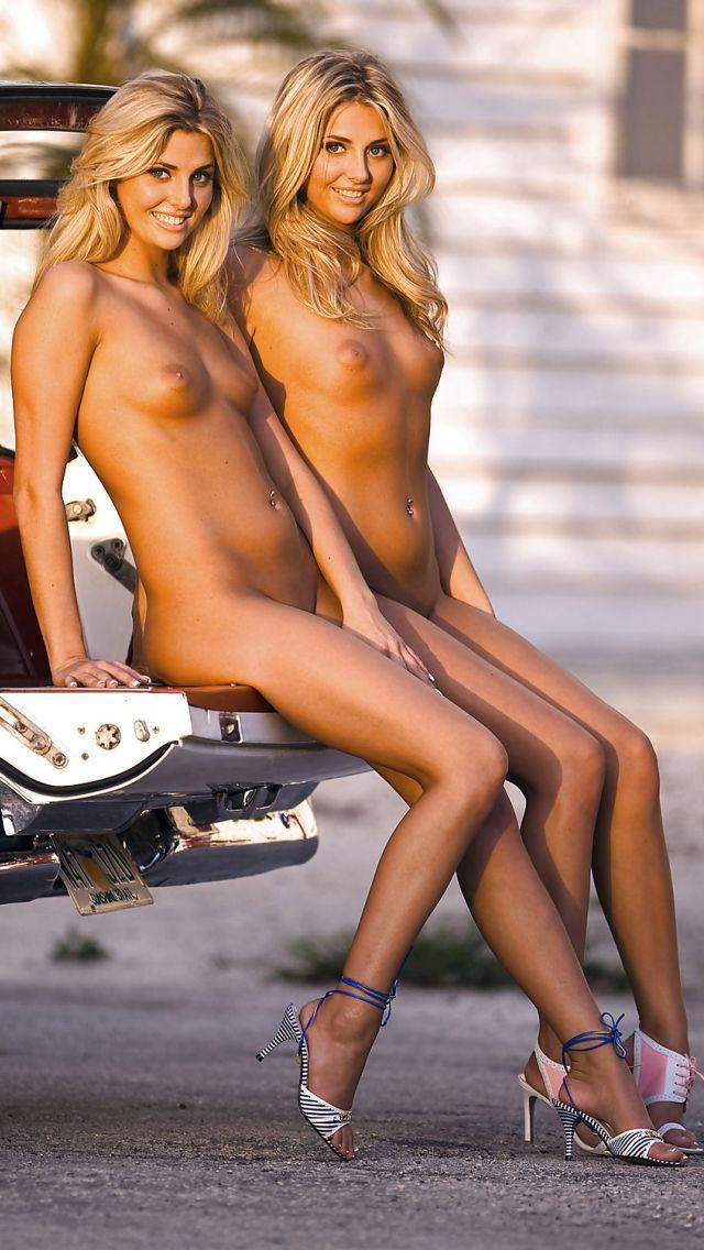 ビッチすぎる双子の姉妹のエロ画像貼ってくwwwwwww(30枚)・18枚目