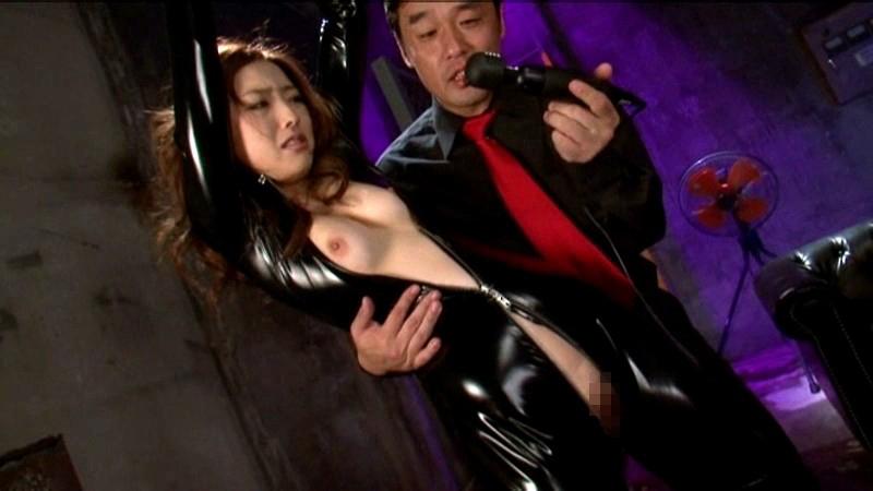 ラバースーツの女との性行為が怖すぎてトラウマwwwwwwwwww(画像33枚)・2枚目