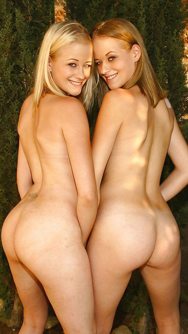 ビッチすぎる双子の姉妹のエロ画像貼ってくwwwwwww(30枚)・5枚目