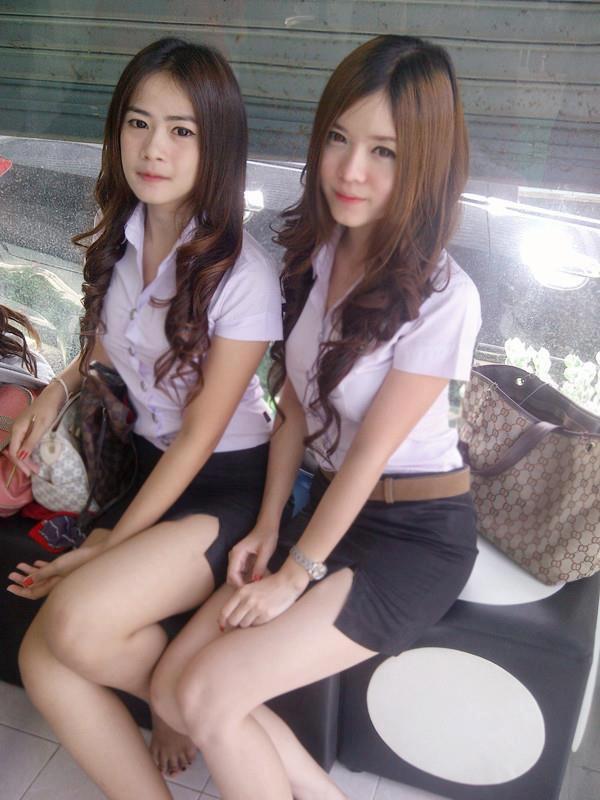 タイの制服JDまんさん、おっぱい重量感凄過ぎワロタwwwwwww(画像あり)・7枚目