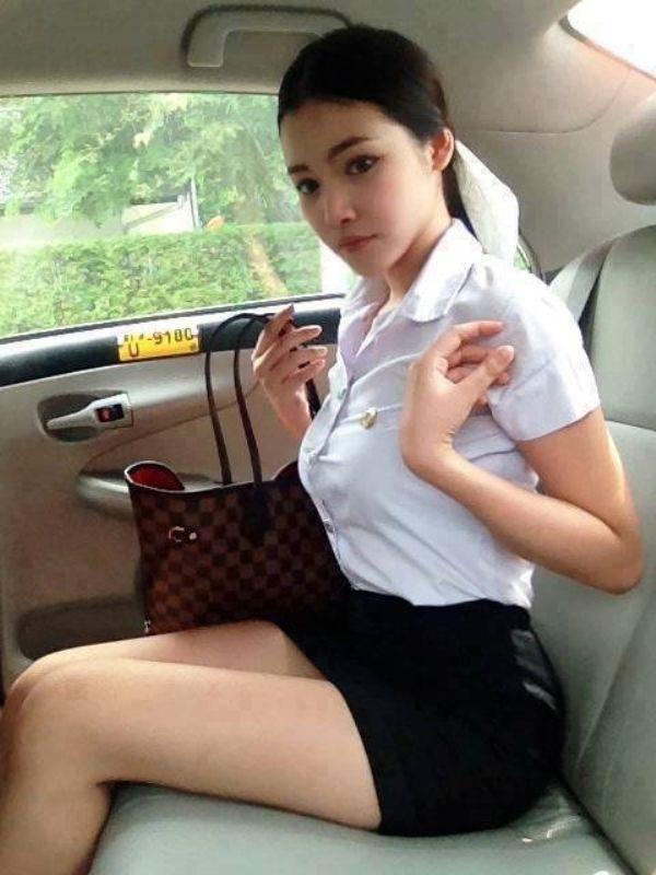 タイの制服JDまんさん、おっぱい重量感凄過ぎワロタwwwwwww(画像あり)・8枚目