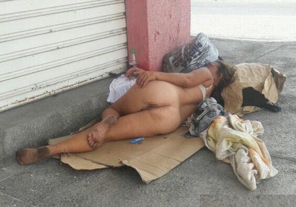 【悲劇】ホームレスさん、路上で堂々と性の捌け口にされる。(画像あり)・9枚目