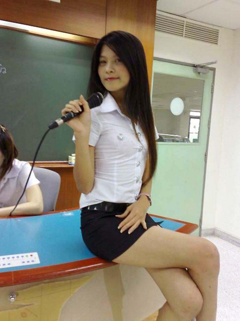 タイの制服JDまんさん、おっぱい重量感凄過ぎワロタwwwwwww(画像あり)・9枚目